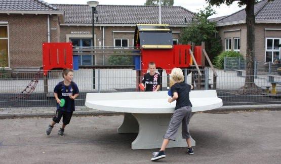table de ping pong ronde en beton naturel. Black Bedroom Furniture Sets. Home Design Ideas