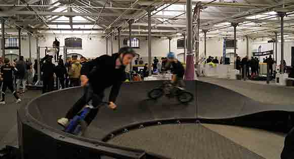 pumptrack inetrieur vtt bmx