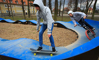 pumptrack skate